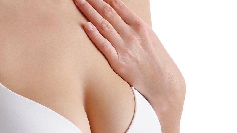 La salute del seno - Mani Sul Cuore